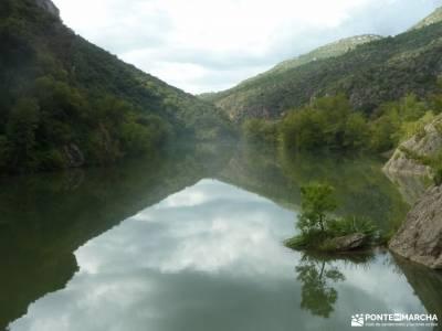 Andorra -- País de los Pirineos;montañas palentinas viajes puente de la constitucion vacaciones caño